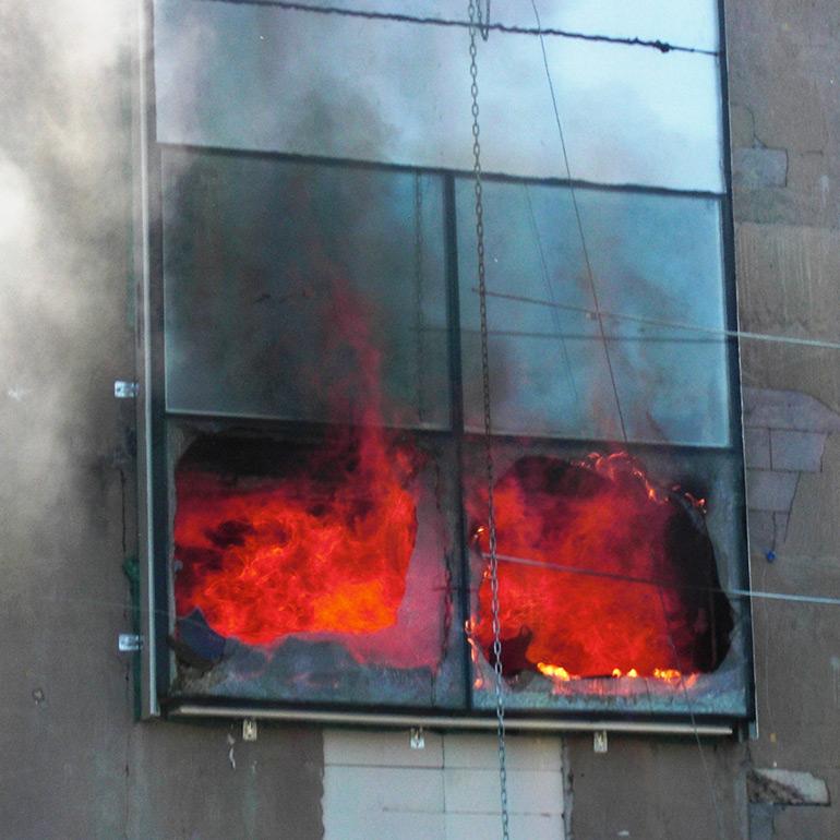 Brandskydd vid dubbelglasfasader