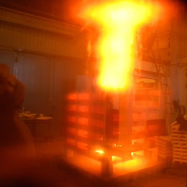 Rumsbrand med lågt placerade ventilationsdon – modellförsök
