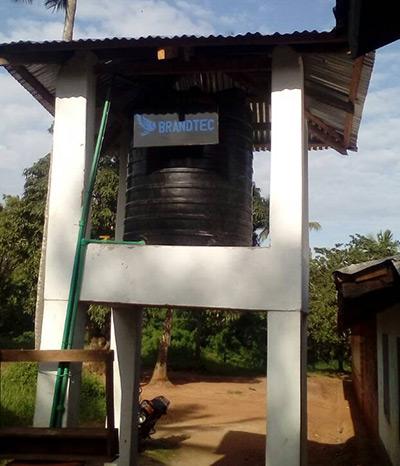 Kenya vattentank sponsrad av Brandtec